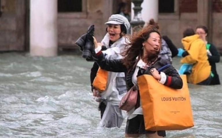 SIAE e Confcommercio unite per aiutare le librerie colpite dall'acqua alta