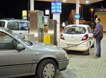 Fatturazione elettronica: il Governo rinvia l'entrate in vigore e i benzinai sospendono lo sciopero di oggi.